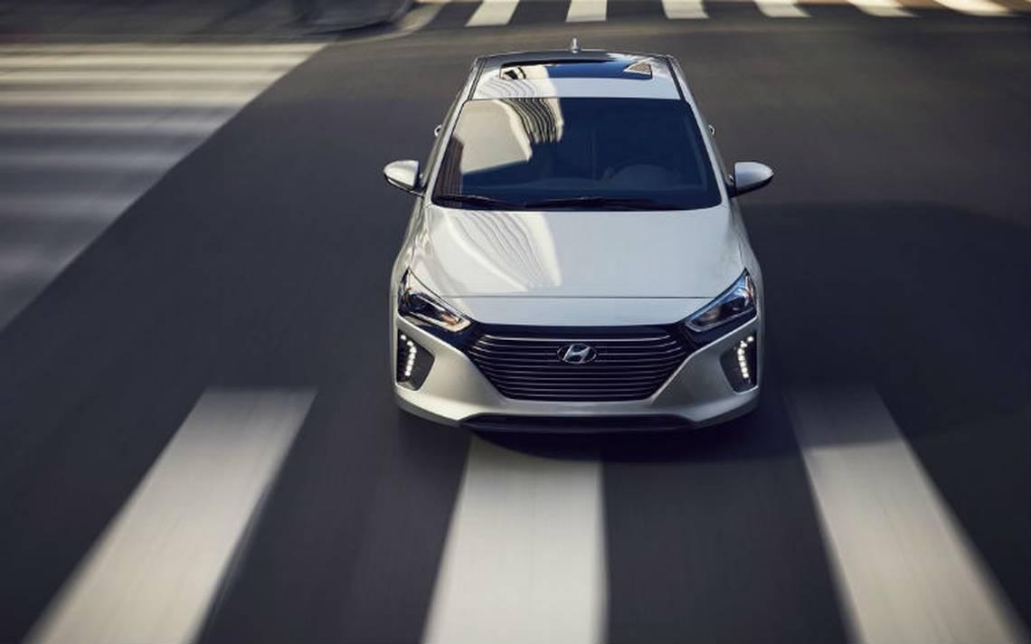 Hyundai-iqoniq-encalle.jpg