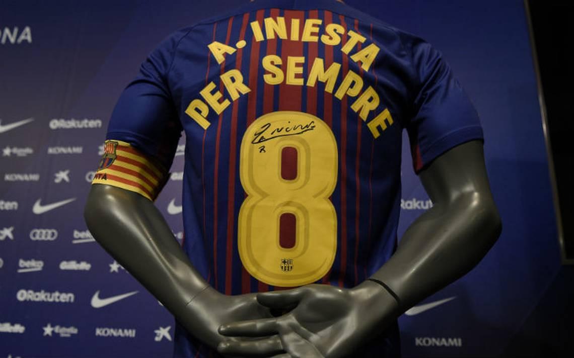 Iniesta-renuva-barcelona.jpg