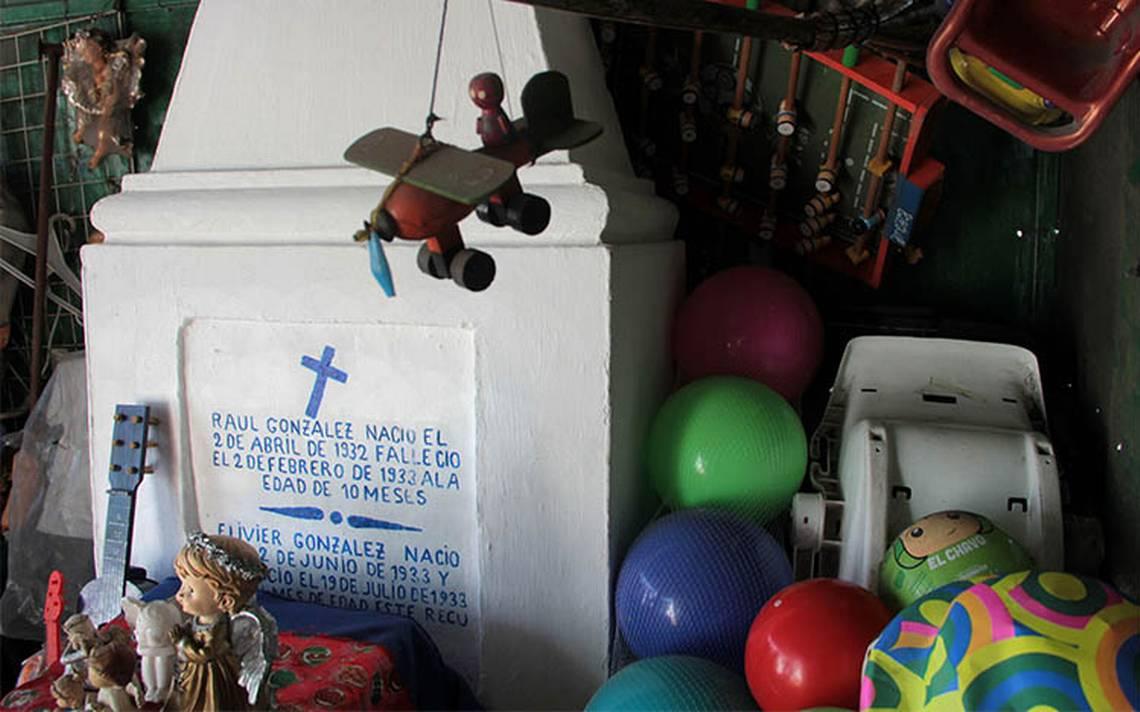 tumba-raulito2.jpg