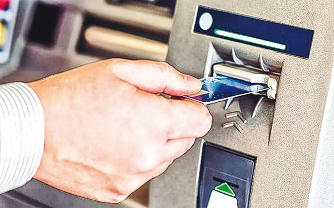 bancos-llegan-a-cobrar-hasta-30-pesos-por-retirar-efectivo-en-los-cajeros