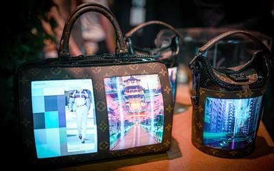 6ba55e5fb Louis Vuitton pone pantallas a los bolsos - El Sol de México