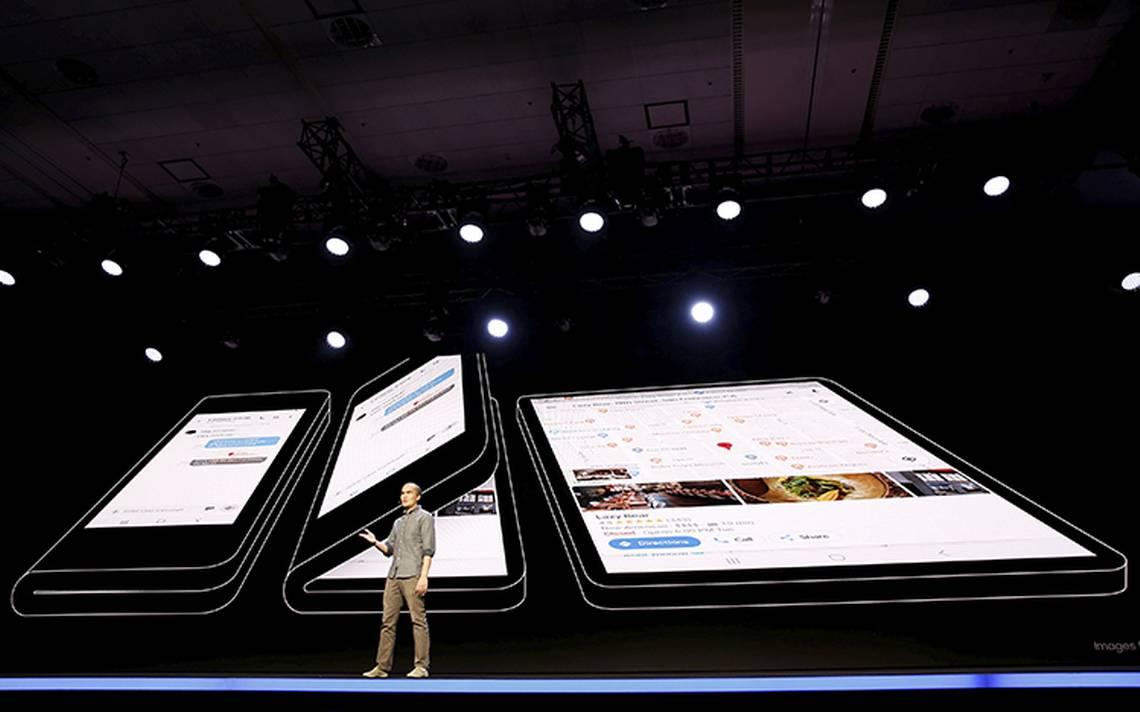 """Resultado de imagen para 2018 Samsung presenta una pantalla plegable para el """"smartphone del mañana"""""""