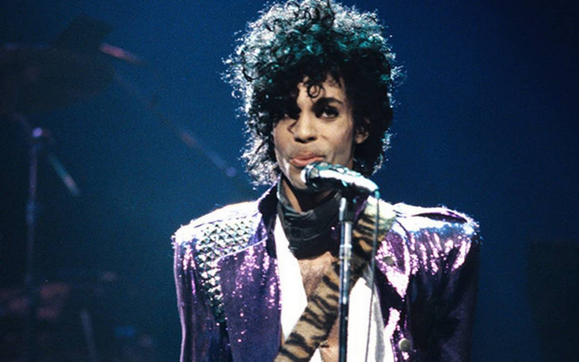 prince-smirk-pruple-rain-tour-1984-billboard-650-a
