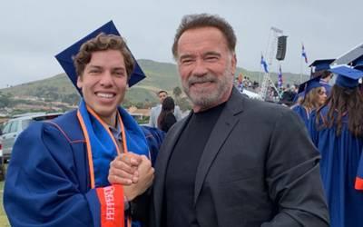 Resultado de imagen para arnold schwarzenegger con su hijo graduado