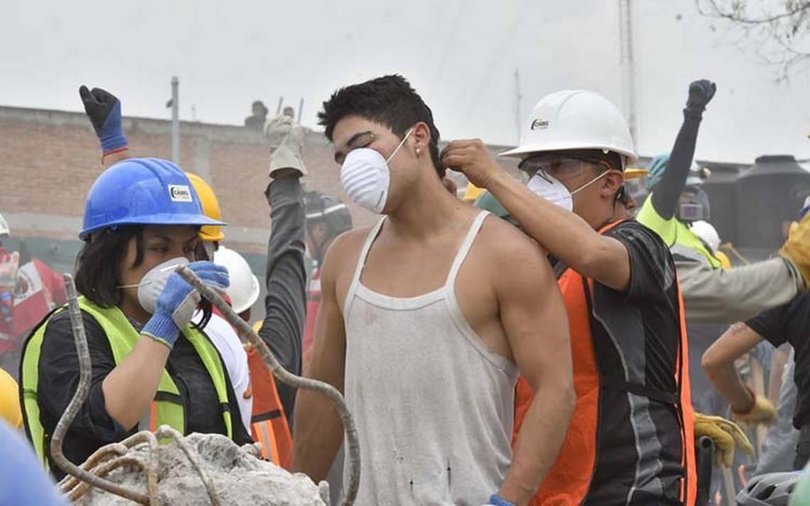 jovenes_sismo_rescate.jpg