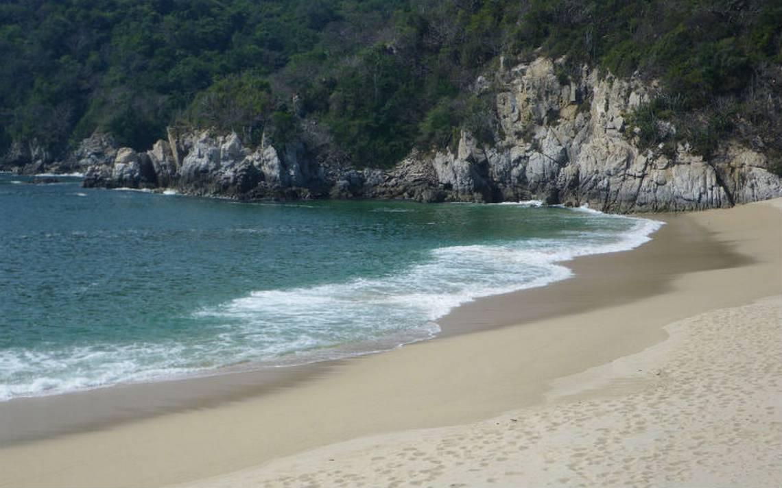 Bahia-cacaluta-huatulco .jpg