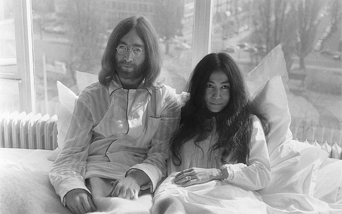 Yoko y John Amsterdam.jpg