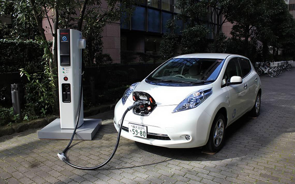 Nissan Leaf 3.jpg