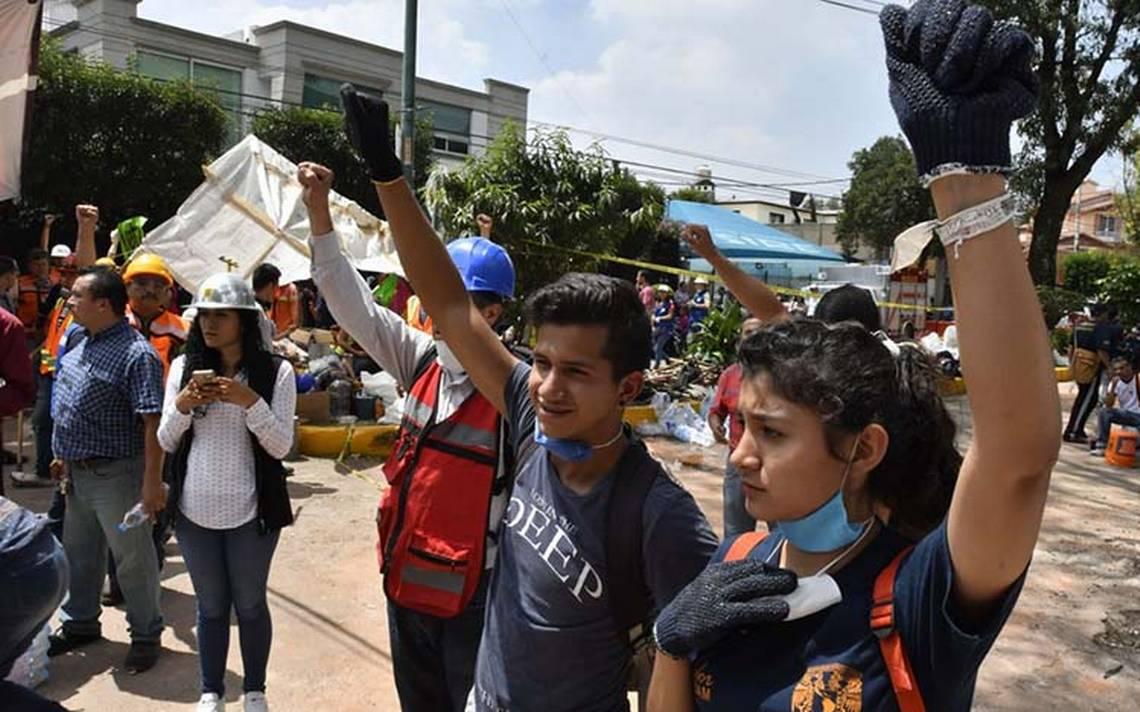 jovenes_sismo_rescate_12.jpg