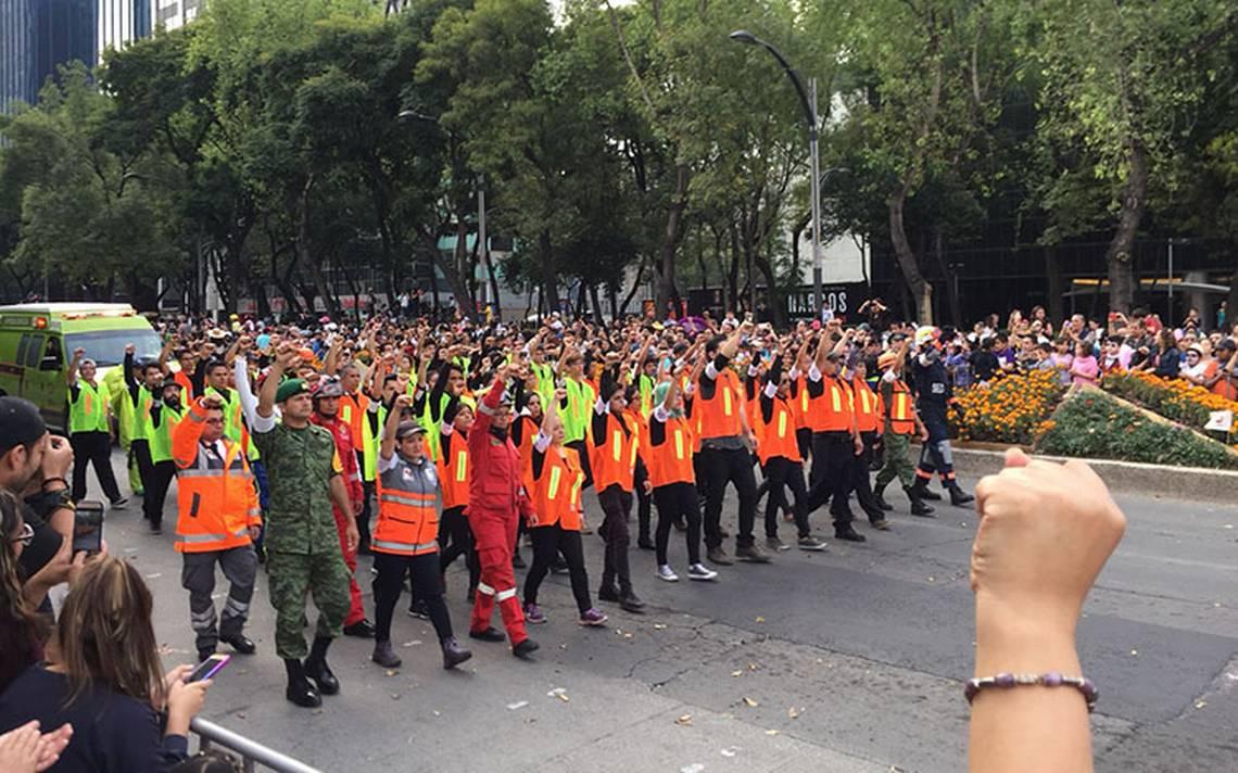 desfile_muertos_puno.jpg