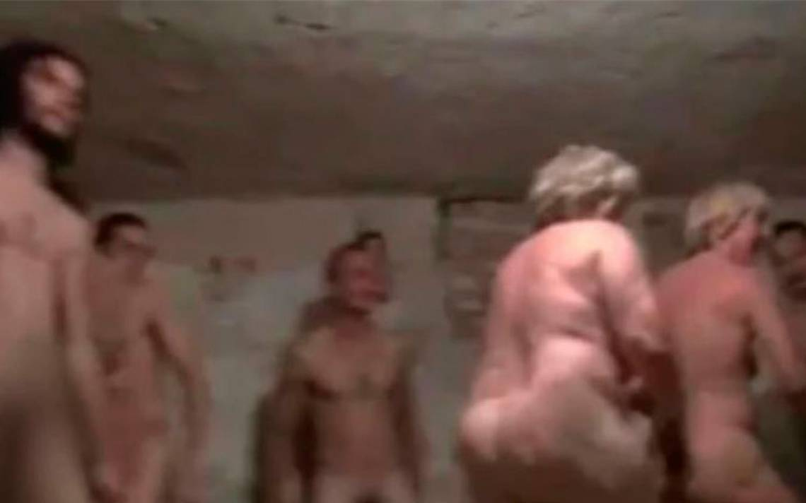 desnudos-camara-de-gas.jpg