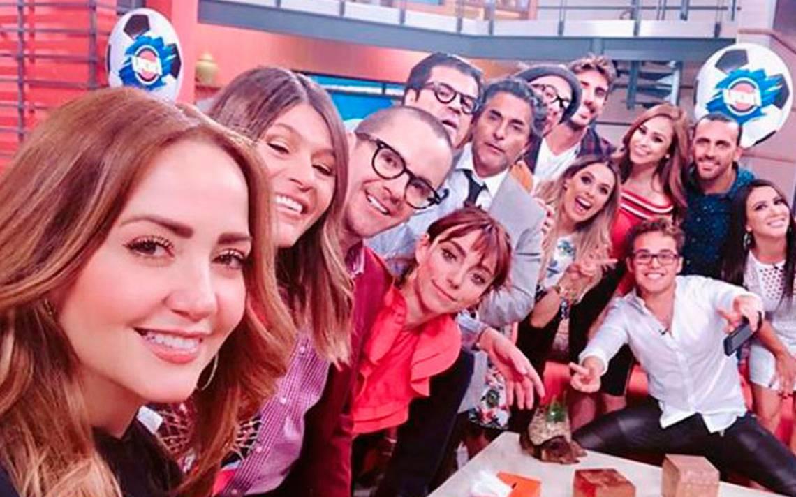 """Andrea Legarreta Cojiendo producción de """"hoy"""" le da vacaciones forzosas a andrea"""