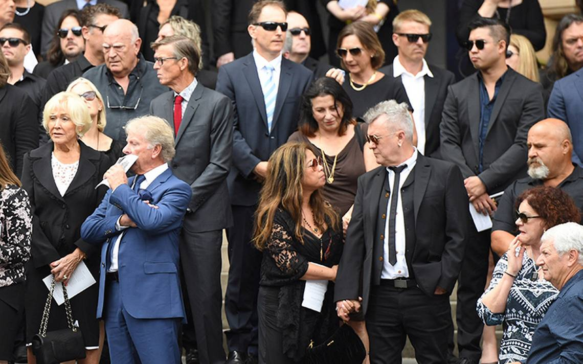 malcolmyoung-funeral-acdc.jpg