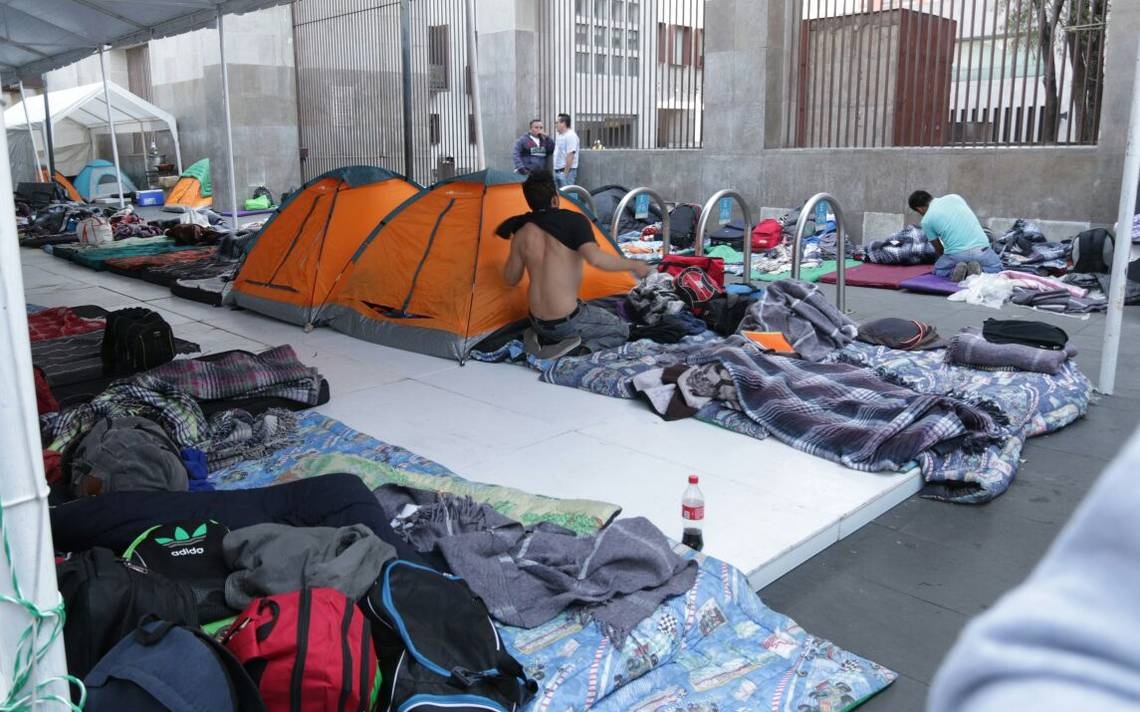 planton-ayotzinapa-ROBERTO HERNANDEZ.3.jpeg