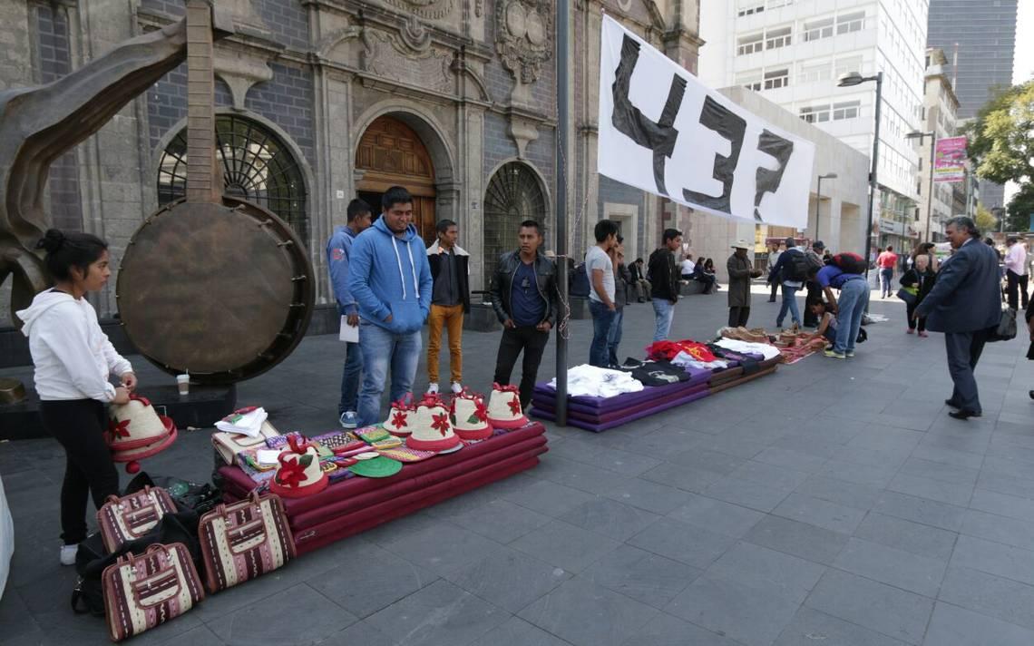 planton-ayotzinapa-ROBERTO HERNANDEZ.4.jpeg