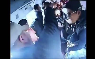 Video Ladrones Asaltan Combi Y Los Sorprende Retén De Policía