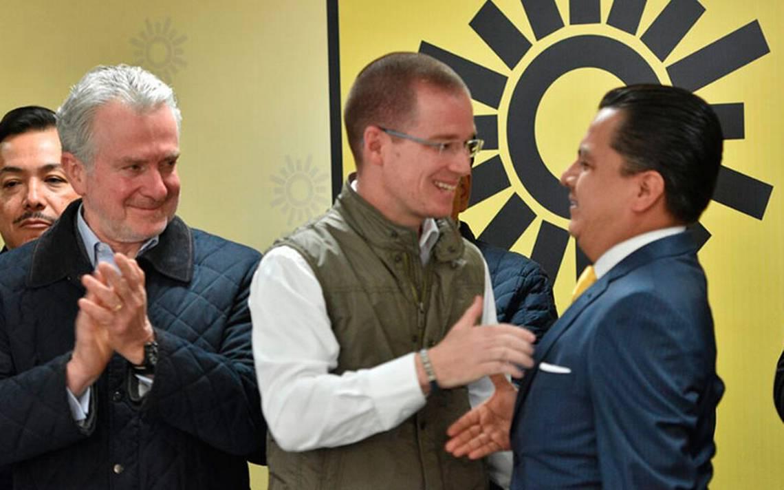 Margarita Zavala declinará a favor de Meade, señala AMLO