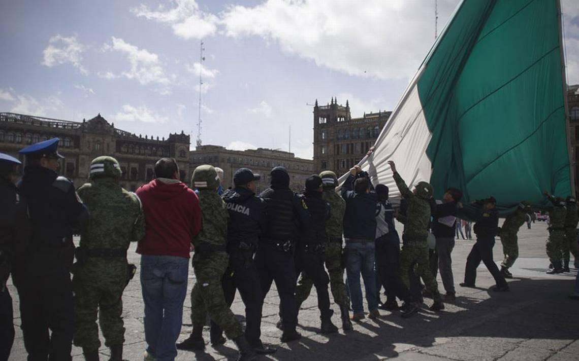 Militares y civiles, al rescate de la Bandera - El Sol de México |  Noticias, Deportes, Gossip, Columnas