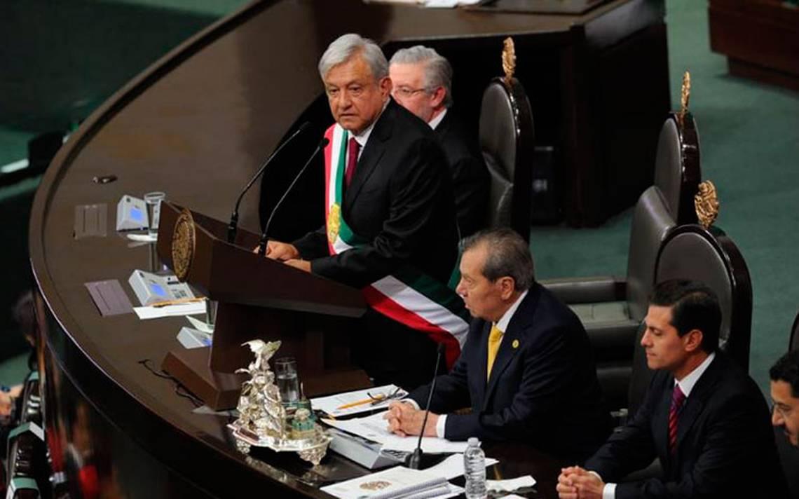 Kết quả hình ảnh cho Presidente AMLO toma consejos del pueblo y refuerza su seguridad