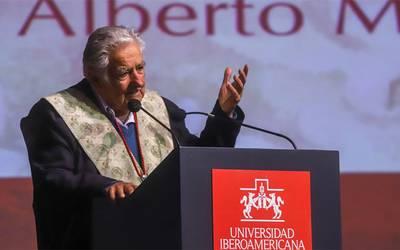 Resultado de imagen para mujica en mexico  titulo honoris y causa