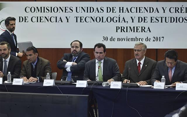 97f26eddc645 Los integrantes de las distintas comisiones dieron a conocer los cambios en  la iniciativa enviada al Senado por el presidente Enrique Peña Nieto    Foto  ...