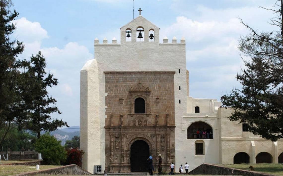 Miguel-acolman-templo.jpg