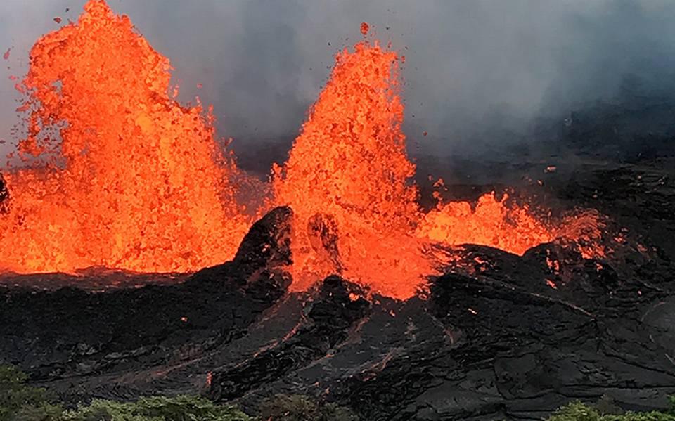 Resultado de imagen de volcan en erupcion en hawai