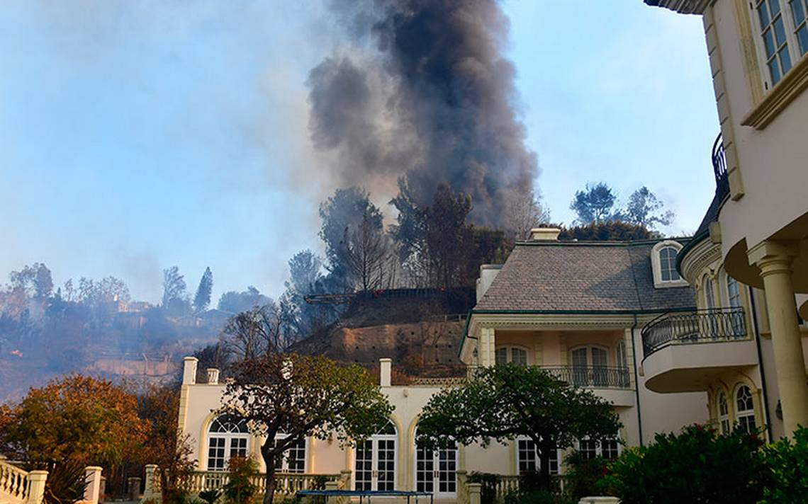 incendio_los-angeles_-barrios-ricos2.jpg