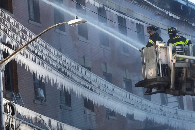 bd6b4d26f Incendio en edificio de Nueva York deja 16 heridos, incluidos nueve ...